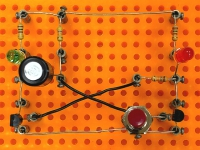 MonoFlop - monostabile Kippstufe auf Experimentierplatte